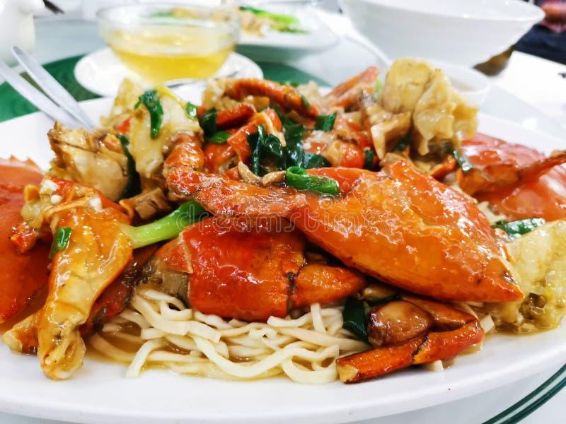 Caranguejo Ginger e Scallion com Noodles imagem de stock