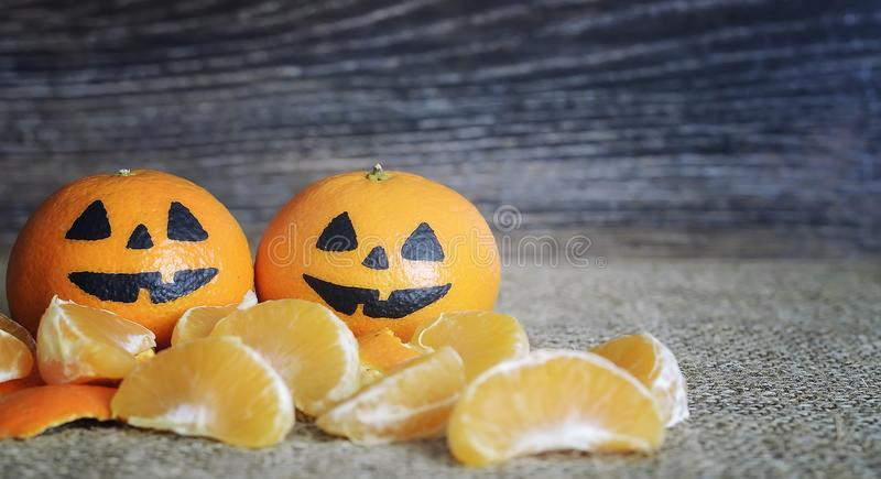 Caras asustadizas pintadas en un día de fiesta de Halloween imagen de archivo libre de regalías