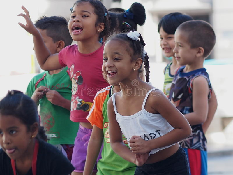 Caras de alunos de Cuba em Paseo Del Prado imagens de stock royalty free
