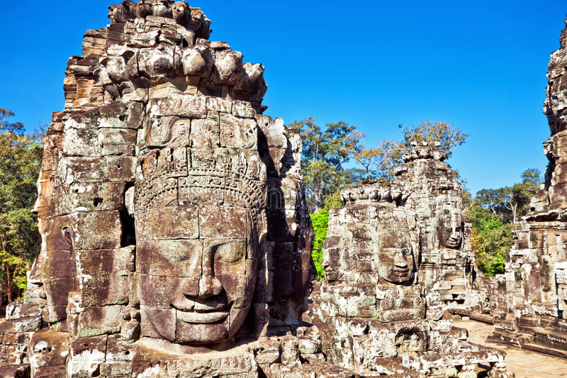 Caras del templo antiguo de Bayon en Angkor Wat fotografía de archivo