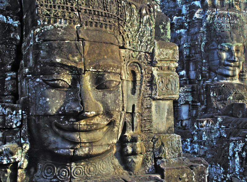 Caras en el wat del angkor. imágenes de archivo libres de regalías