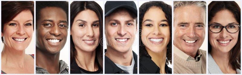 Caras felices de la gente fijadas imagenes de archivo