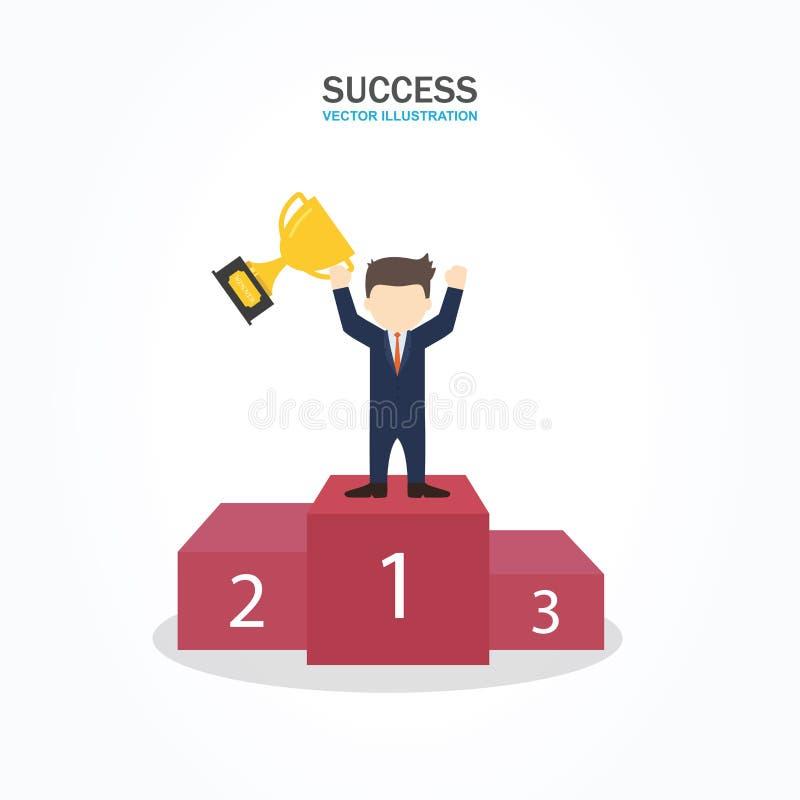 Carattere dell'uomo d'affari di successo che sta in un podio che sostiene un trofeo come celebra la sua vittoria royalty illustrazione gratis