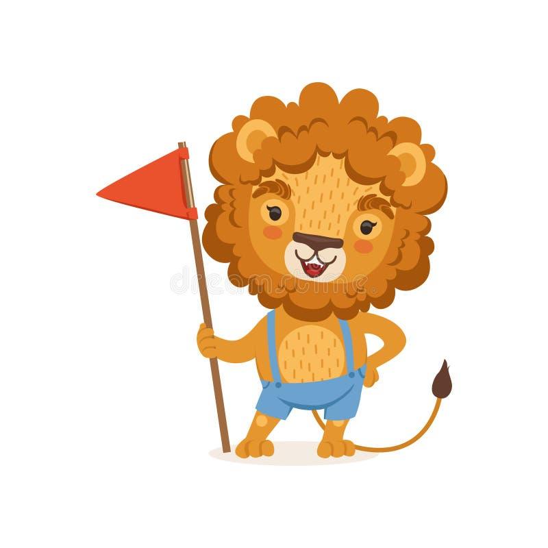 Carattere sveglio del leone del fumetto che stanno con la bandiera in zampa e shorts d'uso sulle bretelle Animale con la criniera illustrazione di stock