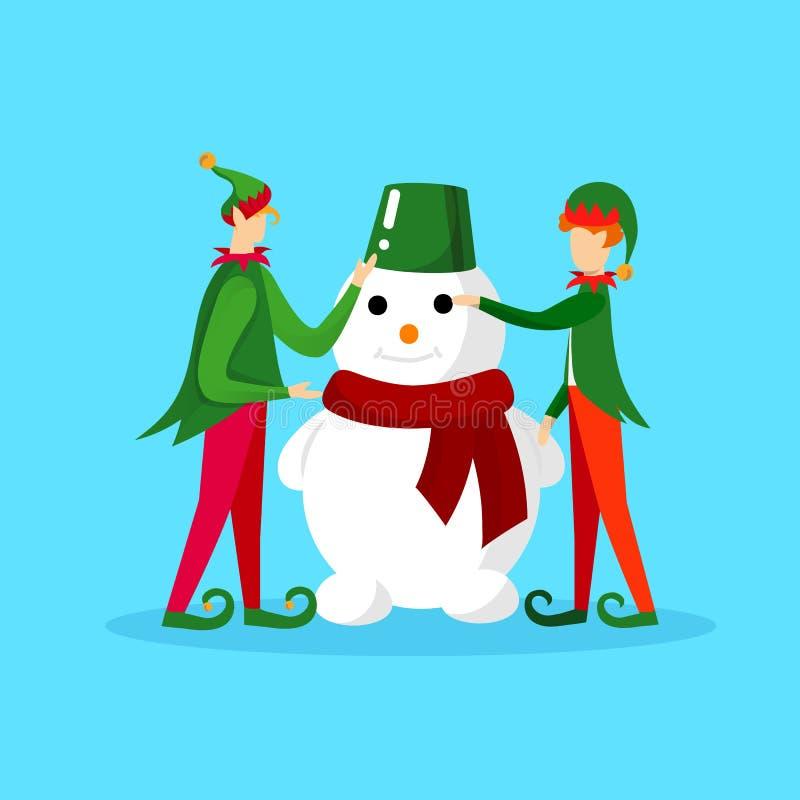 Caratteri di Natale degli elfi che fanno pupazzo di neve divertente royalty illustrazione gratis