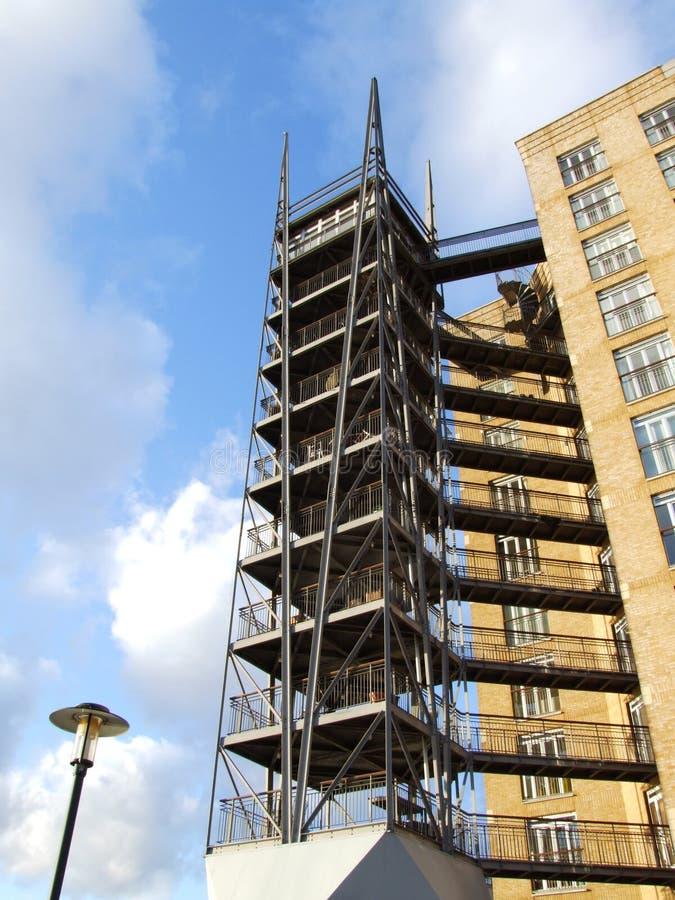 Caratteristica d'acciaio Canary Wharf della torre fotografia stock libera da diritti