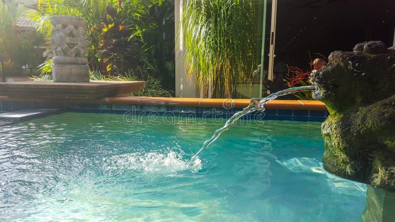 Caratteristica dell'acqua dell'hotel immagini stock libere da diritti