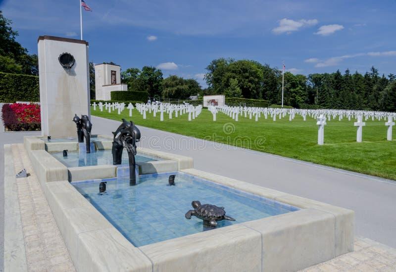Caratteristica dell'acqua nel cimitero americano di guerra, Lussemburgo fotografia stock