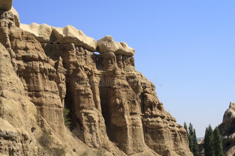 Caratteristiche geologiche stupefacenti in Cappadocia fotografia stock libera da diritti