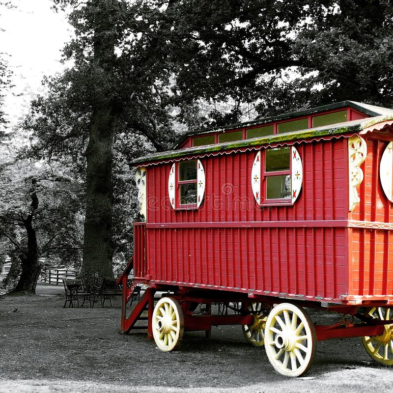 Caravan al castello di Cawdor fotografie stock