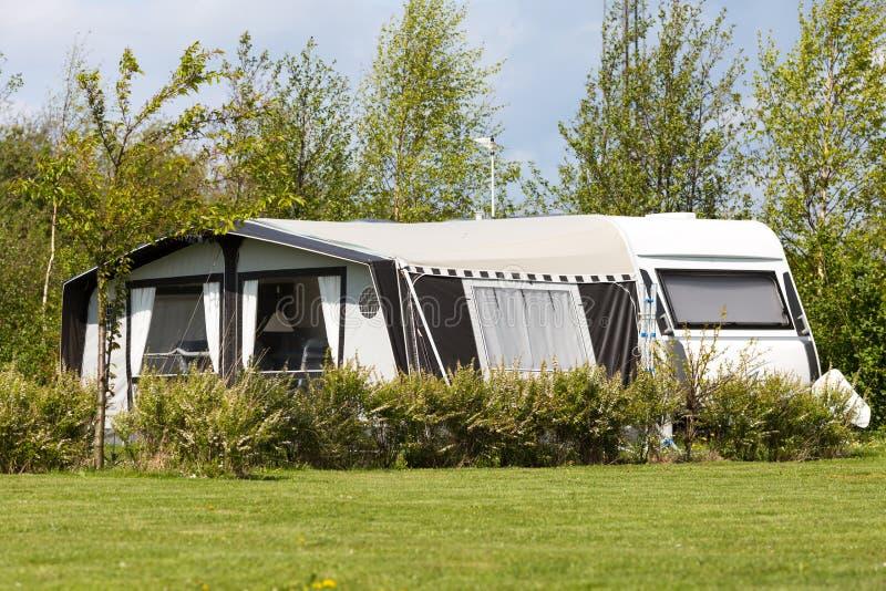 Caravan en het kamperen tent stock foto's