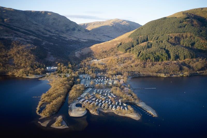 Caravan site insularpark am see water edge aerial view geschlossen während der wintersaison in Loch Lomond Scotland Vereinigtes K stockfotografie
