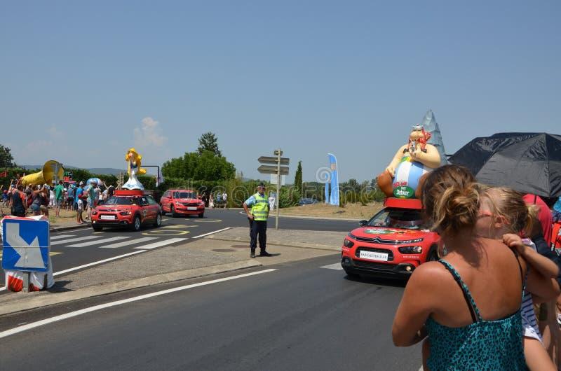 Caravan van de Ronde van Frankrijk stock afbeelding