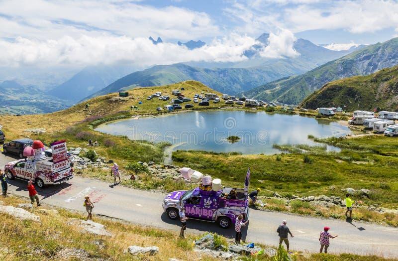 Caravana de Haribo nos cumes - Tour de France 2015 fotos de stock royalty free