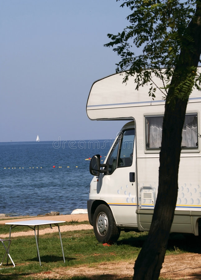 Caravana No Campsite Fotos de Stock Royalty Free
