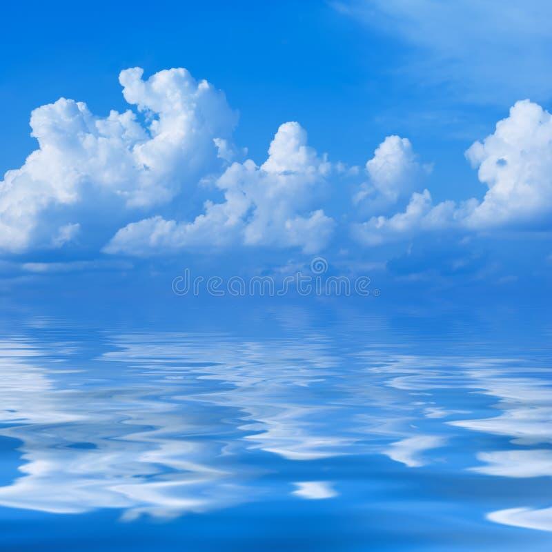 Caravane des nuages images stock