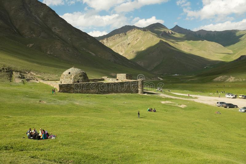 Caravanseraien på Tash Rabat, Kirgizistan arkivfoto