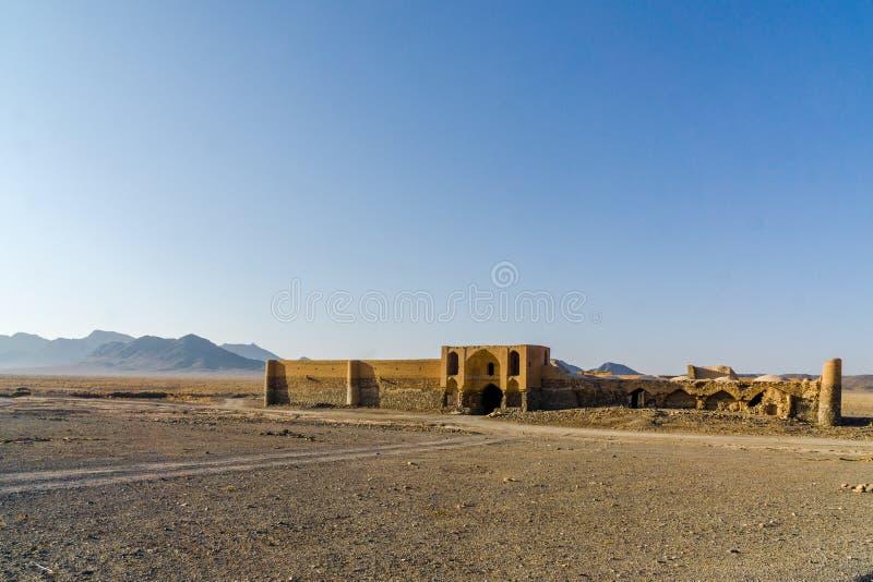 Caravanseray por Varzaneh en Irán en la provincia de Isfahán imágenes de archivo libres de regalías
