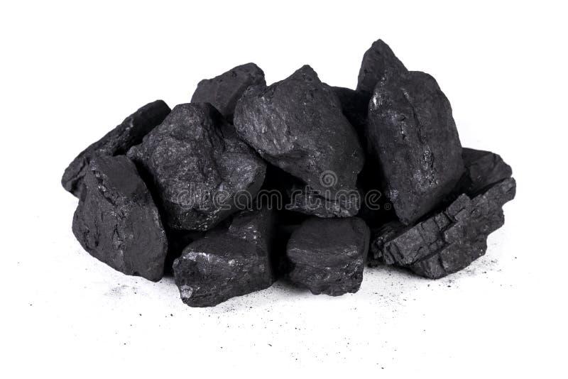Carbón aislado en el fondo blanco, carbón natural del negro de la pila en un primer aislado fondo blanco fotografía de archivo libre de regalías