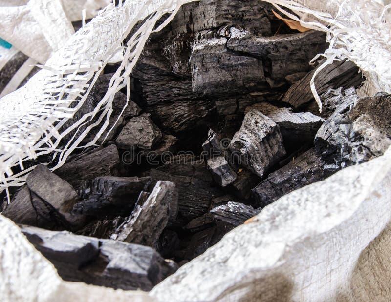 Carbón de leña negro fotografía de archivo libre de regalías