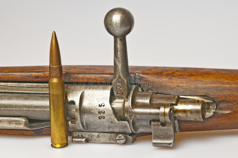 Carbine con munizioni immagine stock libera da diritti