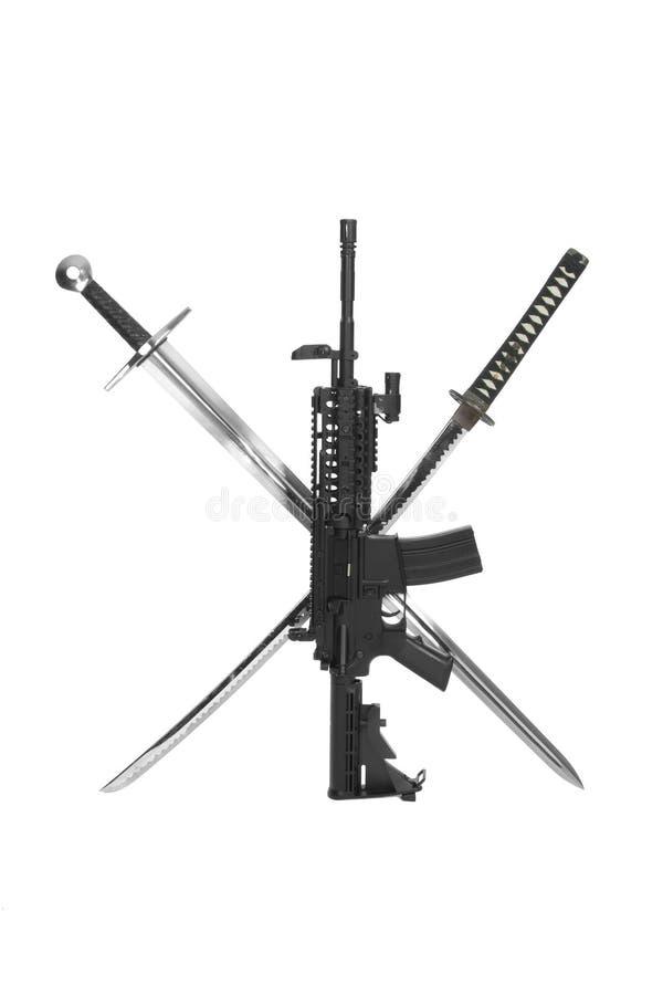 Carbine modificato M4 con la spada fotografia stock libera da diritti