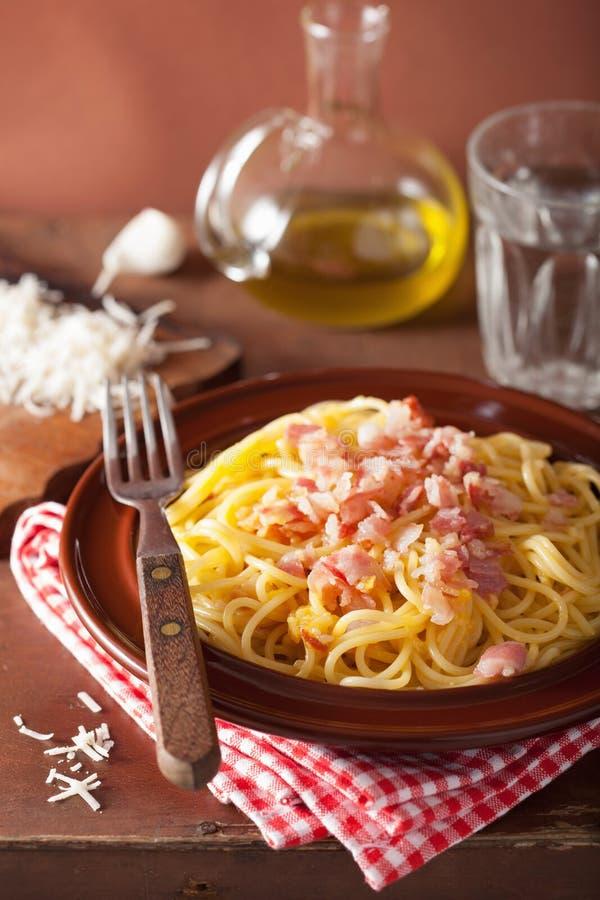Carbonara italiano dos espaguetes da massa imagem de stock