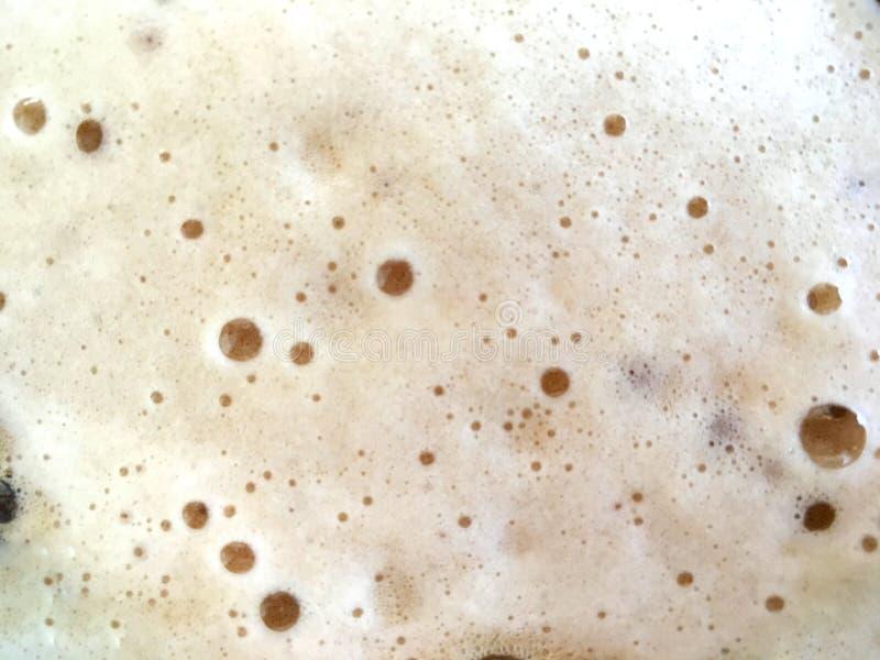 Carbonated конец пены напитка вверх с небольшой текстурой пузырей стоковые изображения