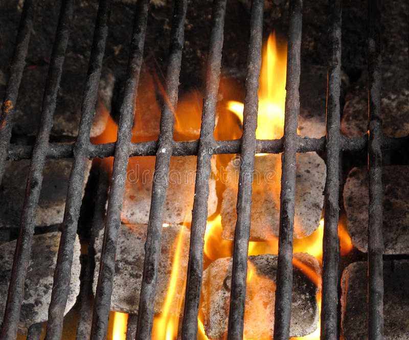Carbone chaud prêt de BBQ photos stock