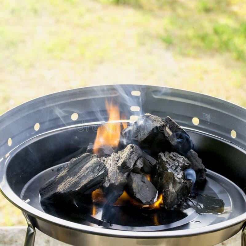 Carbone di legna Burning immagini stock libere da diritti