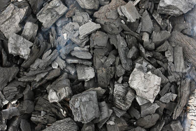Carbone di legna di fumo della griglia fotografia stock libera da diritti