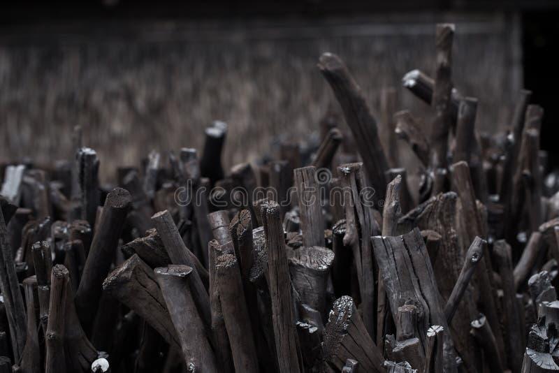 Carbone vegetale naturale, carbone tradizionale o charcoa di legno duro fotografia stock libera da diritti