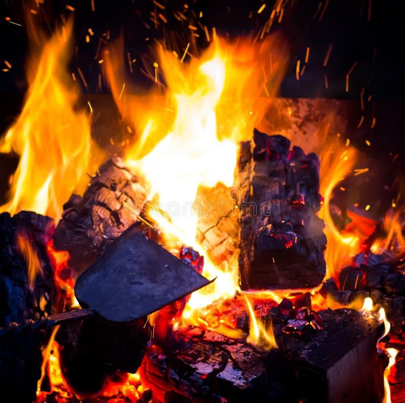 Carboni Burning immagine stock libera da diritti