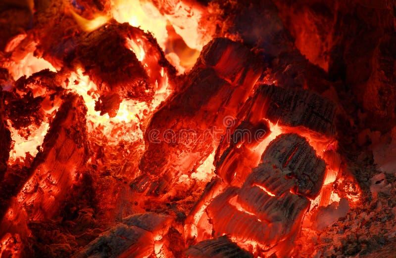 Carboni roventi immagine stock