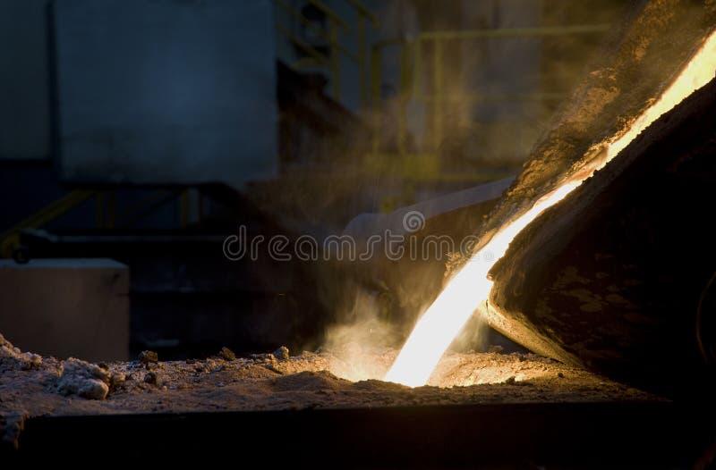 Carcaça do ferro na fundição fotografia de stock