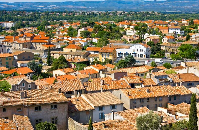 CARCASSON, FRANKREICH - 7. JULI 2016: Ansicht von Carcassonne von der Festung - Languedoc, Frankreich stockbild