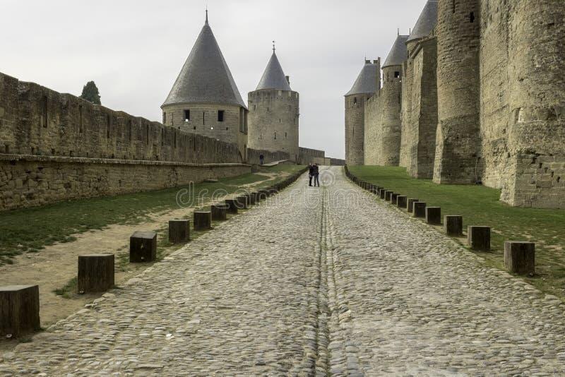 Carcassone står högt, Carcassonne, Frankrike, 24th Februari 2018 royaltyfri foto