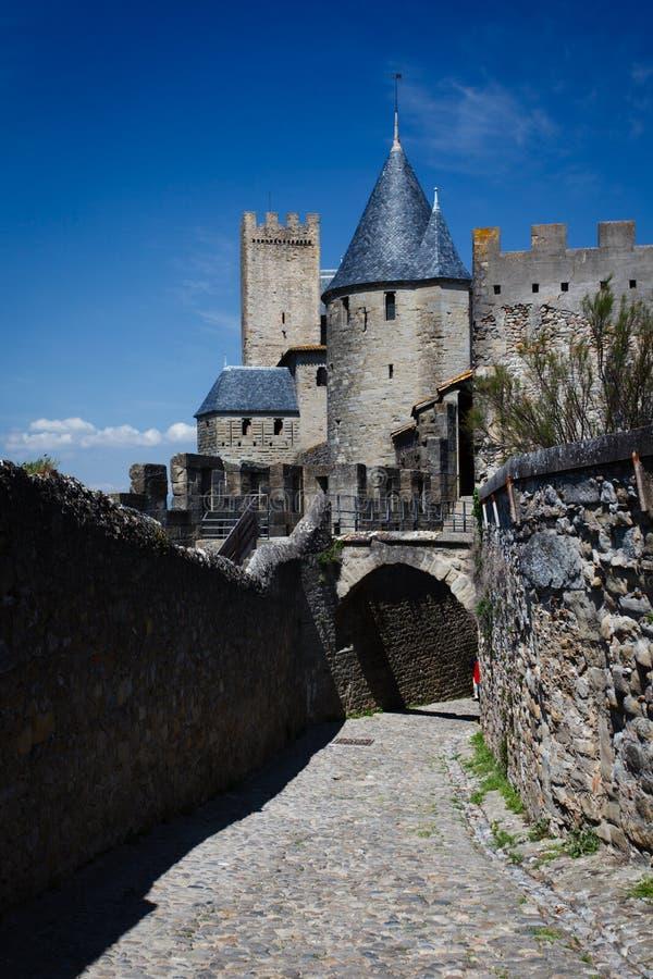 Carcassonne,法国中世纪塔和墙壁  库存图片