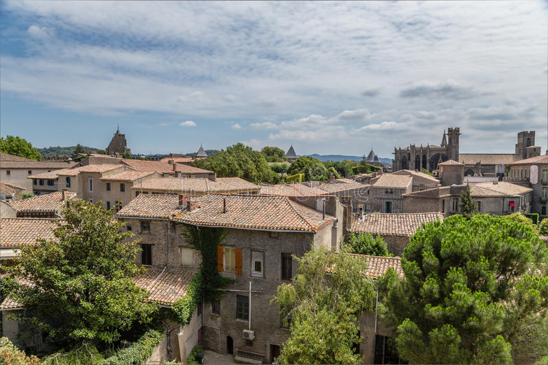 Carcassonne, Frankrijk Oude stad: torenvesting, Basiliek van St Nazaire stock afbeelding