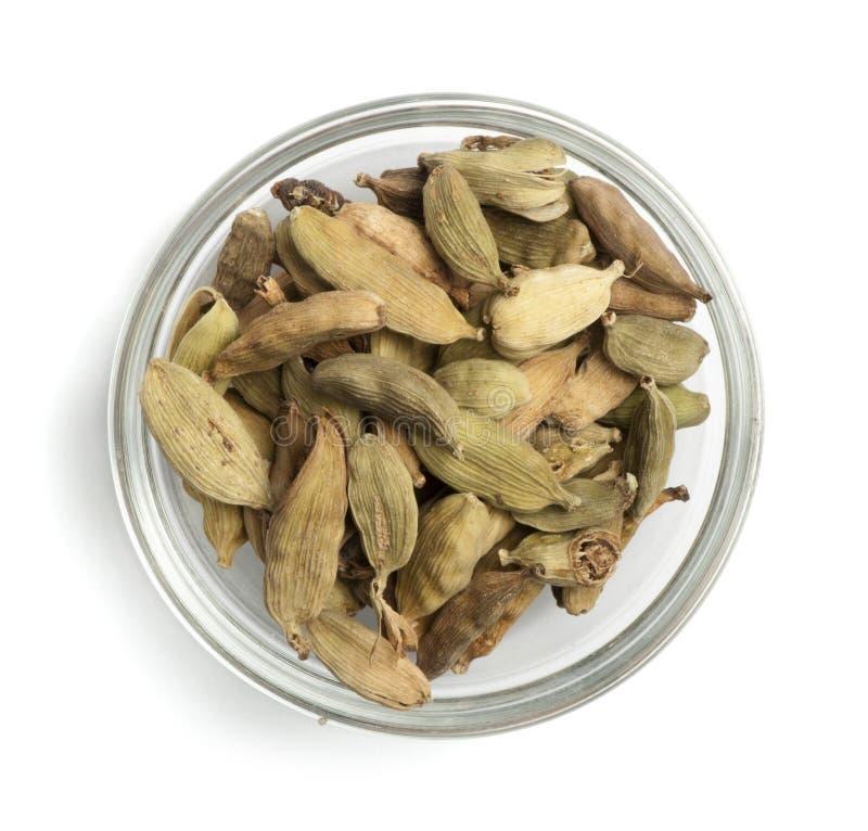 Cardamon secado em uma bacia fotografia de stock