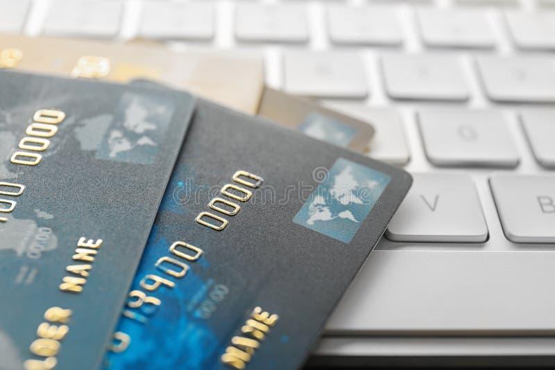 carde le clavier de crédit d'ordinateur photos stock