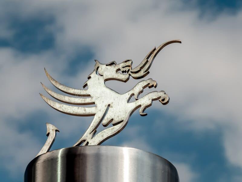 CARDIFF, GALES - 8 DE JUNHO: Dragão de Galês no Millennium Stadium fotografia de stock