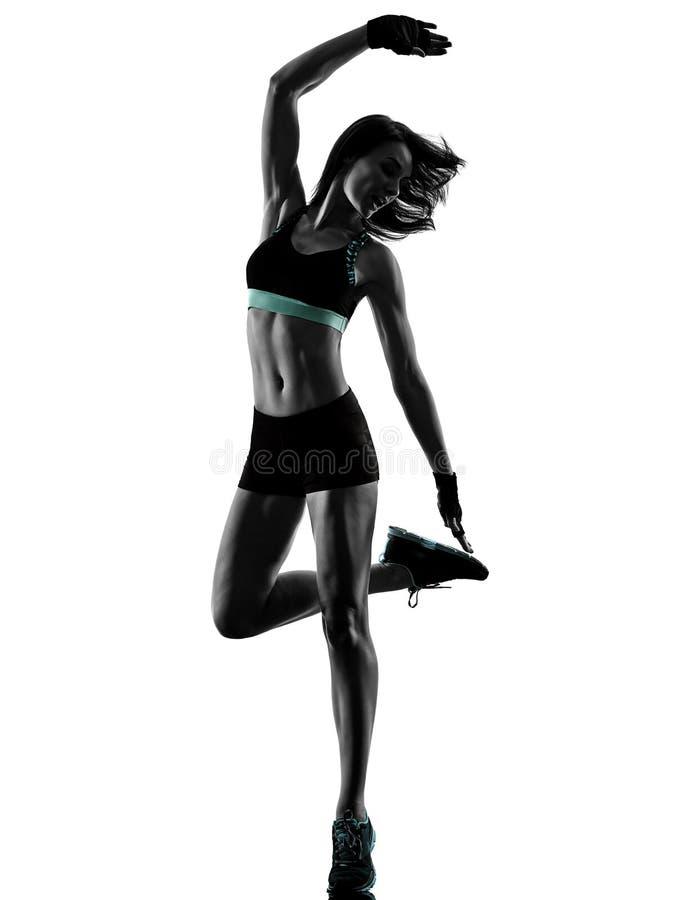 Cardio- mulher da ginástica aeróbica do exercício da aptidão do exercício do núcleo da cruz do encaixotamento fotos de stock royalty free