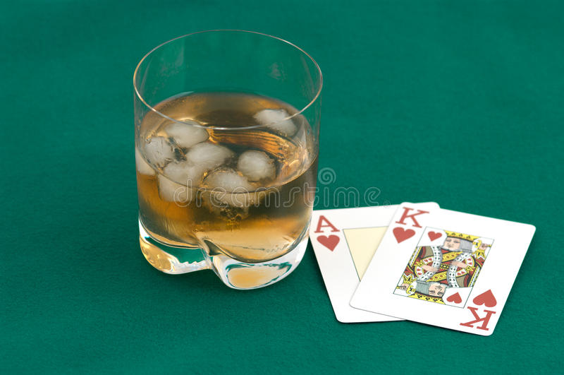 cards glass whisky arkivbild