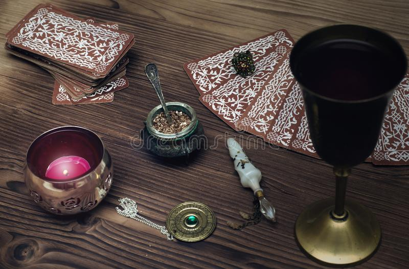 cards tarot Förmögenhetkassör spådom arkivfoton