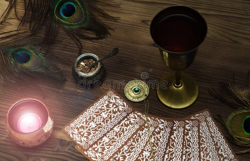 cards tarot Förmögenhetkassör spådom royaltyfria foton