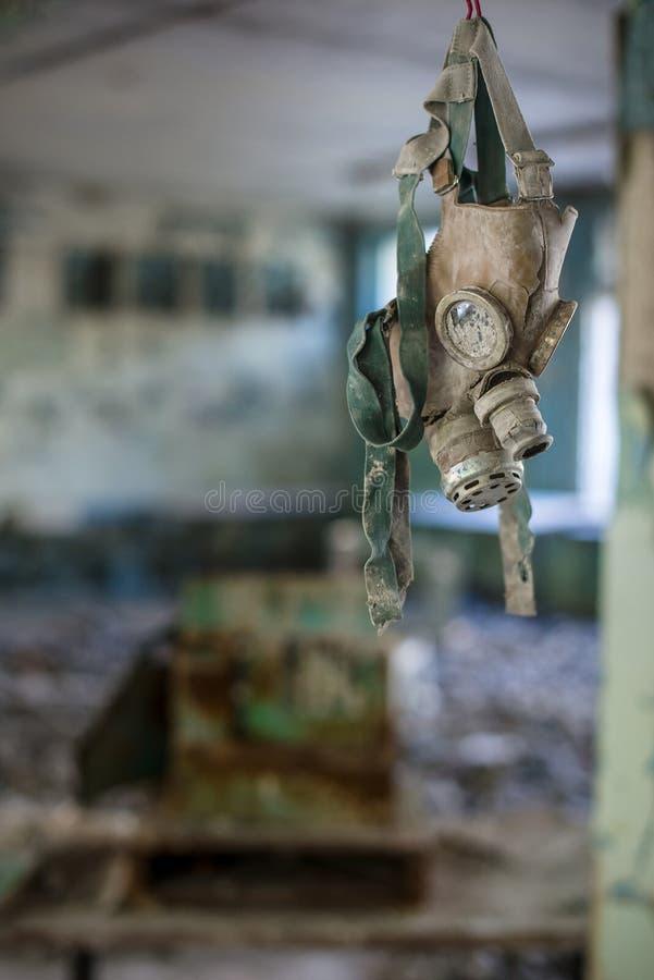 Caretas antig?s en la escuela secundaria en Pripyat, zona de exclusi?n de Chern?bil Cat?strofe nuclear fotos de archivo
