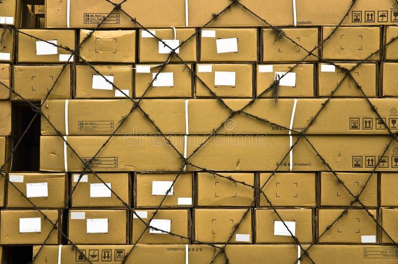 A carga múltipla encaixota o fundo abstrato. fotografia de stock