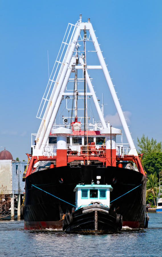 Cargo de remorqueur et photo stock