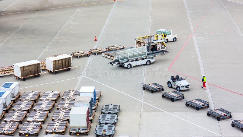 Cargo en el vehículo imagenes de archivo